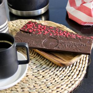 tablette chocolat noir et éclats de framboises