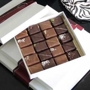 coffret de chocolats pralinés ouvert